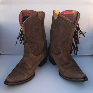 Ariat brown cow girl boots size 2.5 .